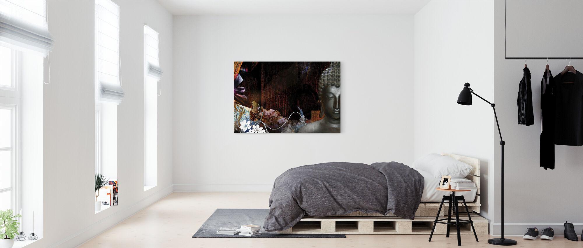 Buddha med blomster - Billede på lærred - Soveværelse