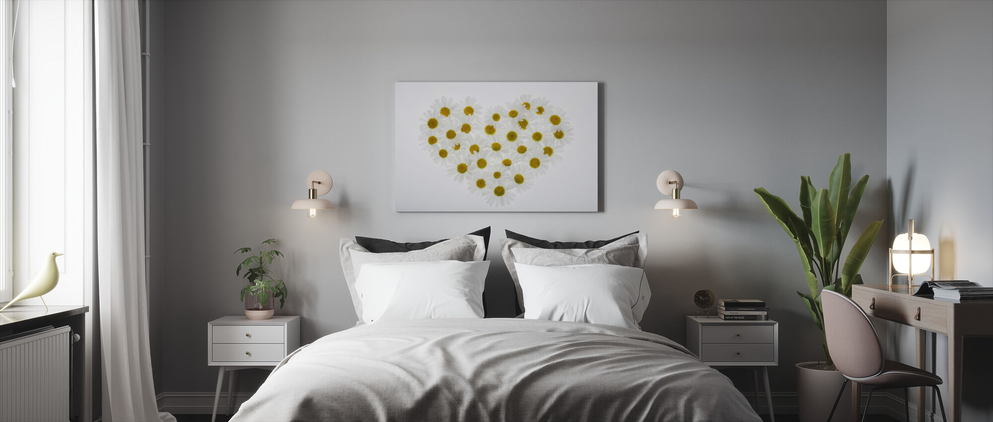 Heart of Daisies - Canvas print - Bedroom
