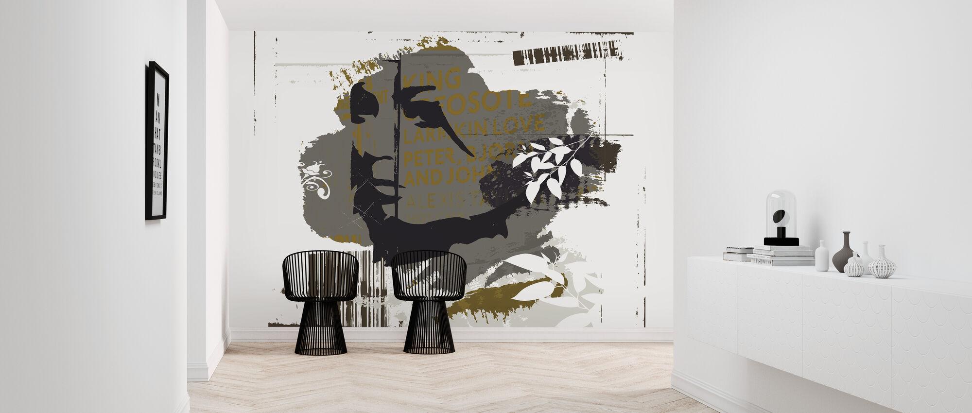 London Lady - Wallpaper - Hallway