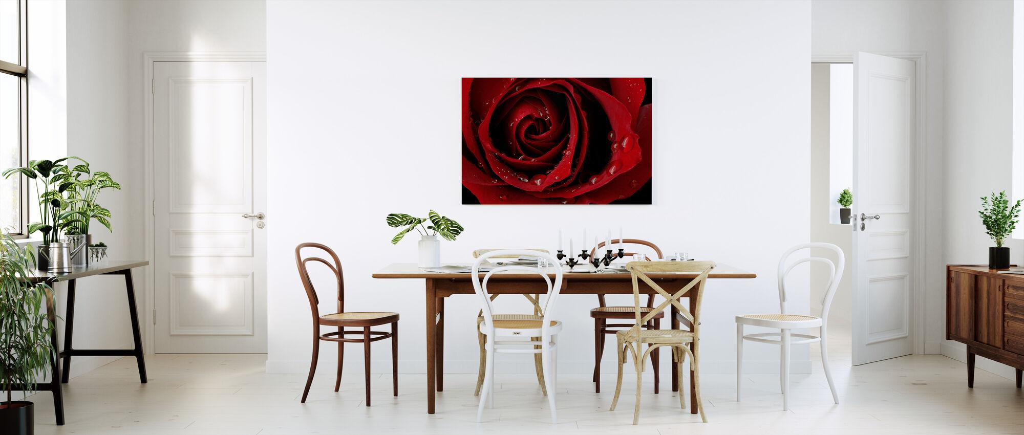 Tumma punainen ruusu - Canvastaulu - Keittiö