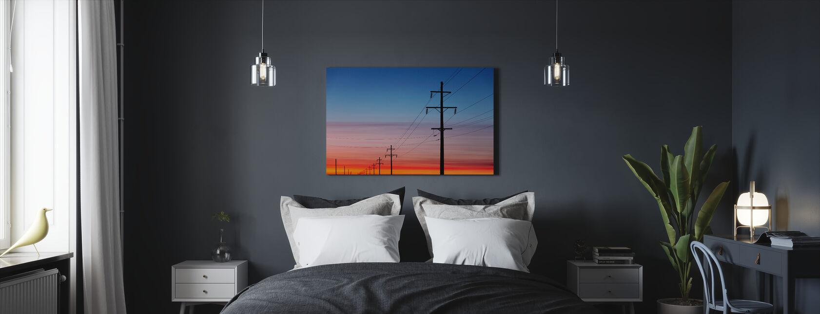 Kraftledningar vid solnedgången - Canvastavla - Sovrum