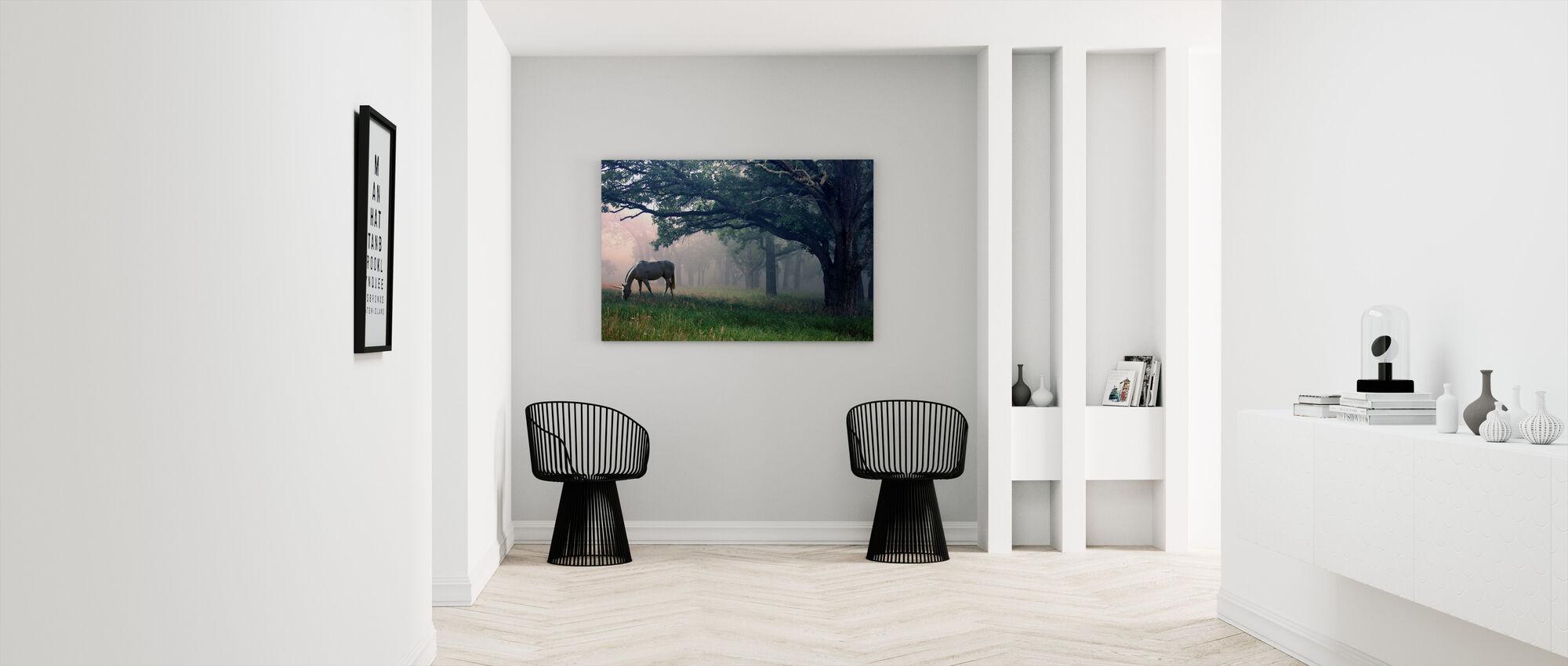 Enhörning i skogen - Canvastavla - Hall