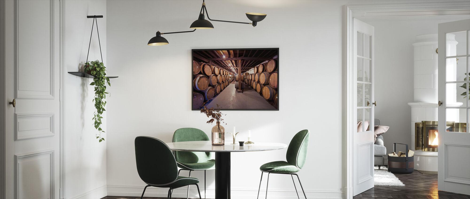 Vanhat viinitynnyrit - Kehystetty kuva - Keittiö