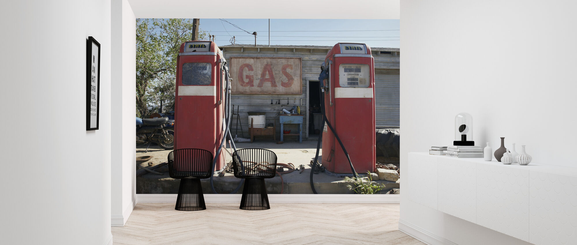 Retro Gas Pumps - Wallpaper - Hallway