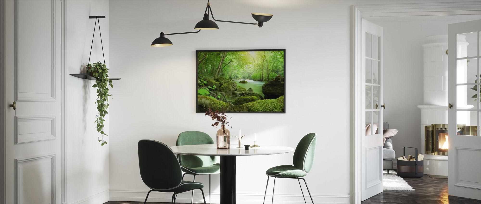 Joki metsässä - Kehystetty kuva - Keittiö