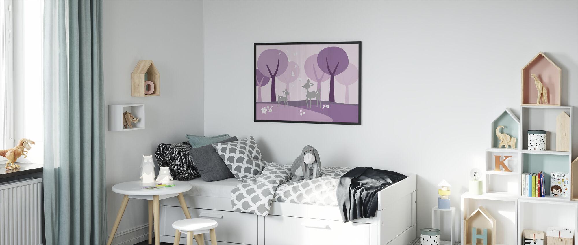 Peura metsässä - violetti - Kehystetty kuva - Lastenhuone