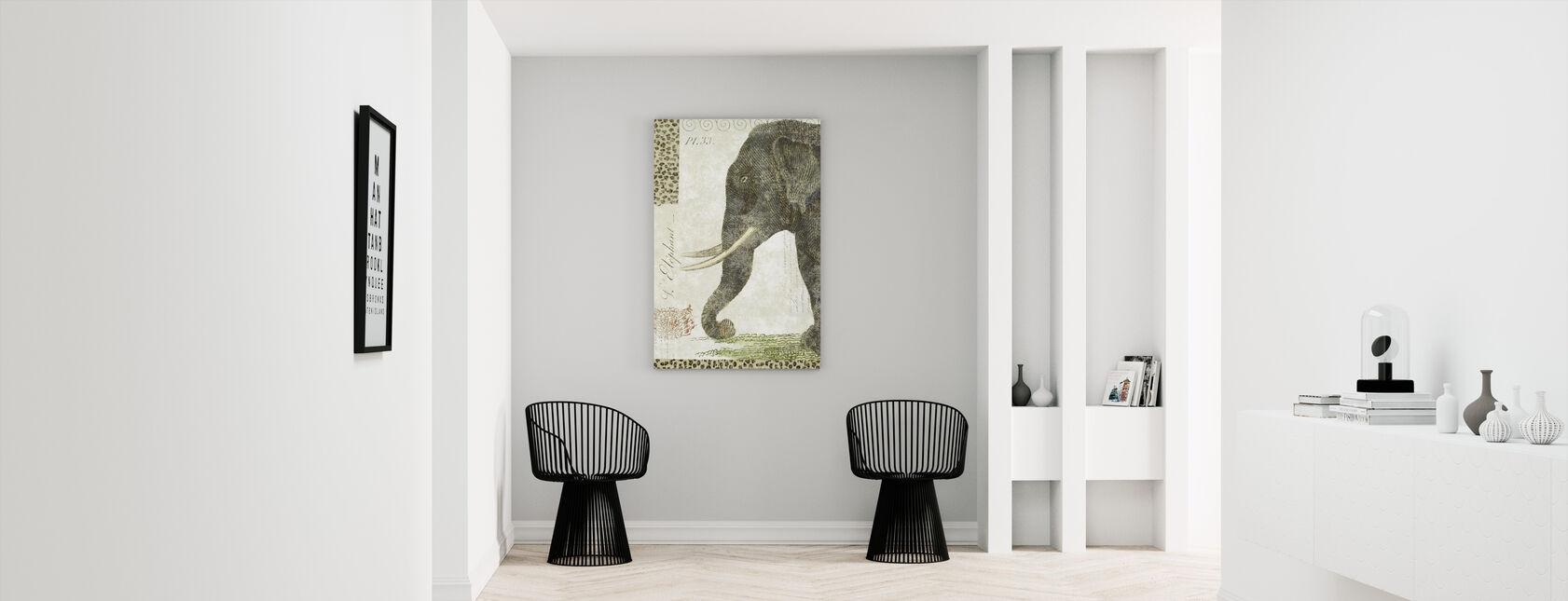 L Elephant - Canvas print - Hallway