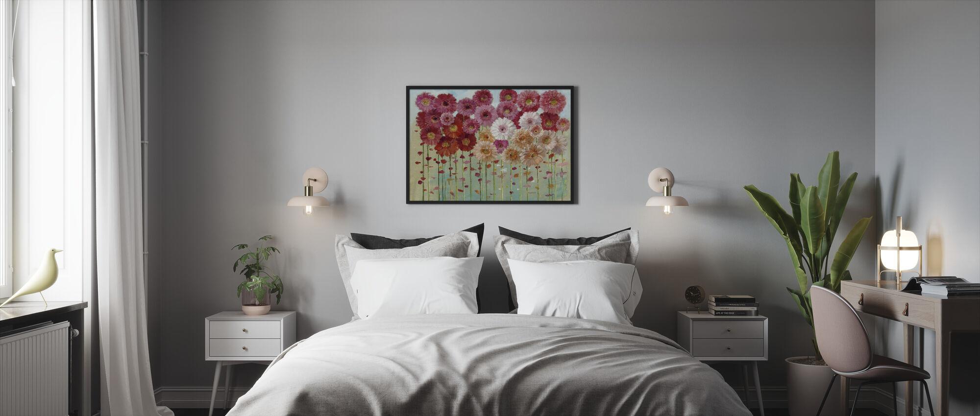 Daisies Spring - Framed print - Bedroom