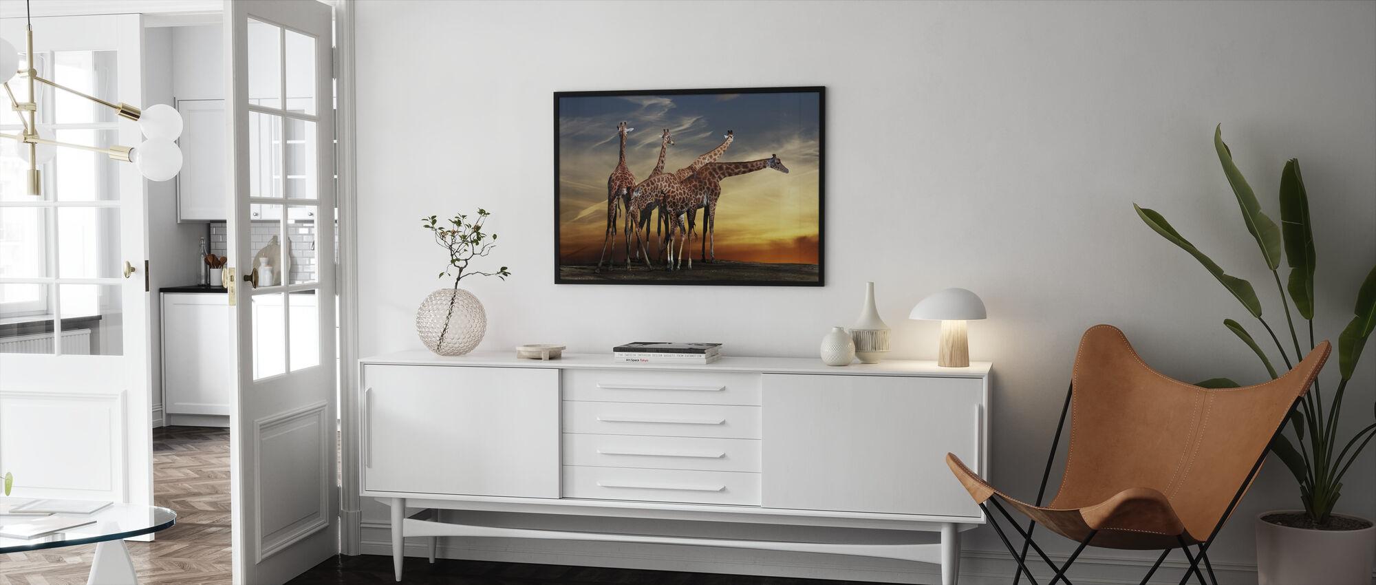 Giraffer och utsikt - Inramad tavla - Vardagsrum