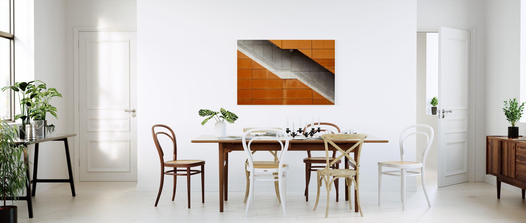 Orange trappe - Lerretsbilde - Kjøkken