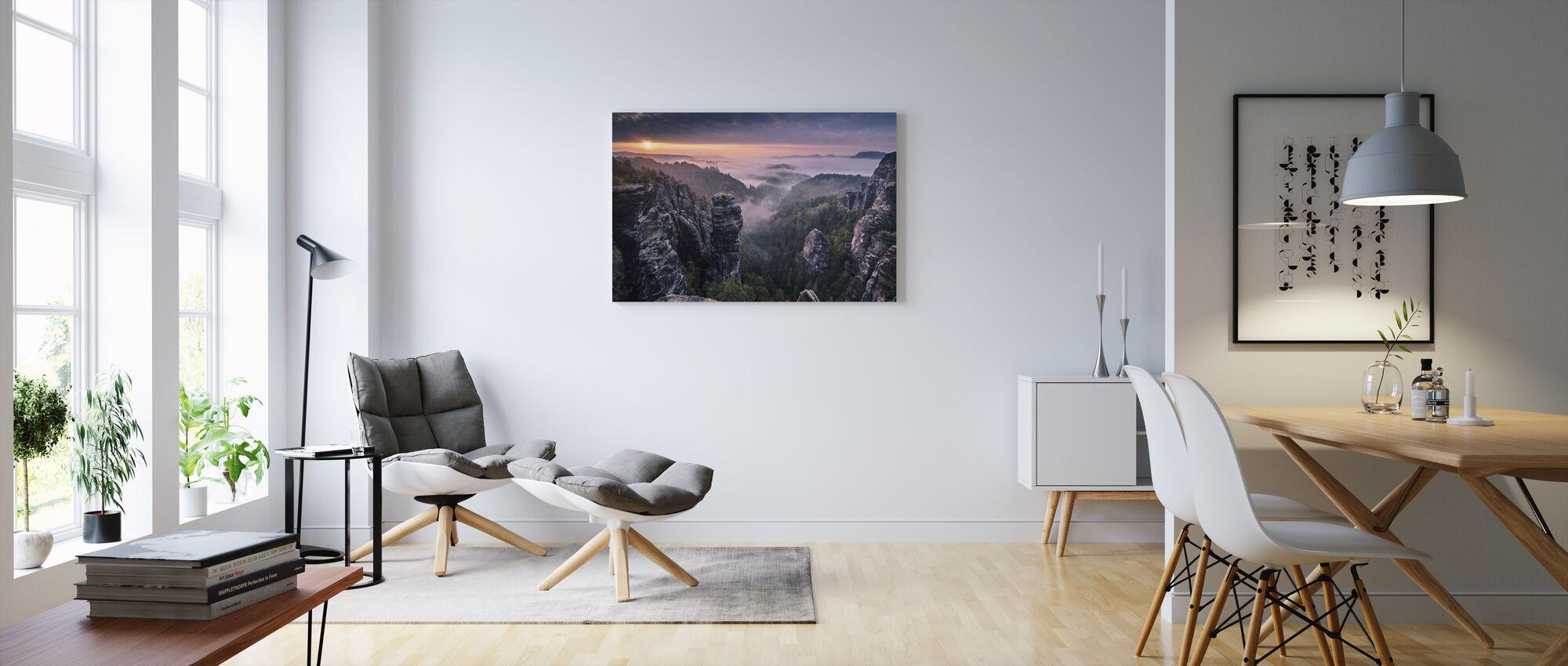 Zonsopgang op de rotsen - Canvas print - Woonkamer