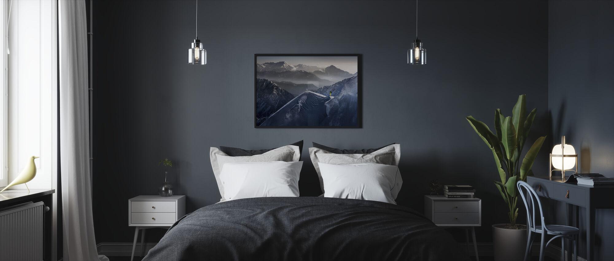 Hiihtäjä Mountain Top - Kehystetty kuva - Makuuhuone