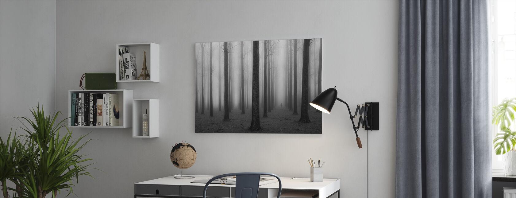 Sumu ja puut - Canvastaulu - Toimisto