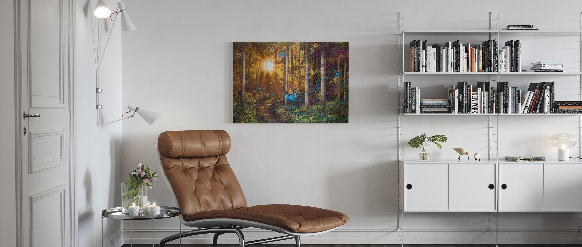 Skovspor med sommerfugle - Billede på lærred - Stue