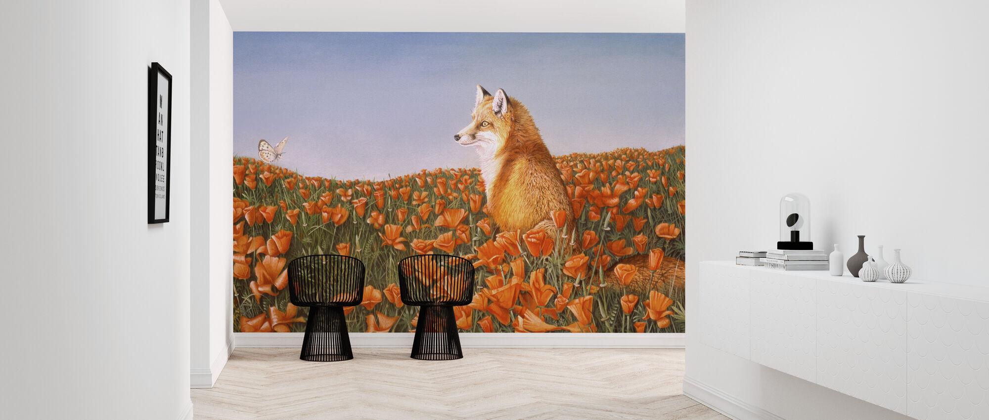 Fox og Butterfly På Nysgjerrige Petals - Tapet - Gang
