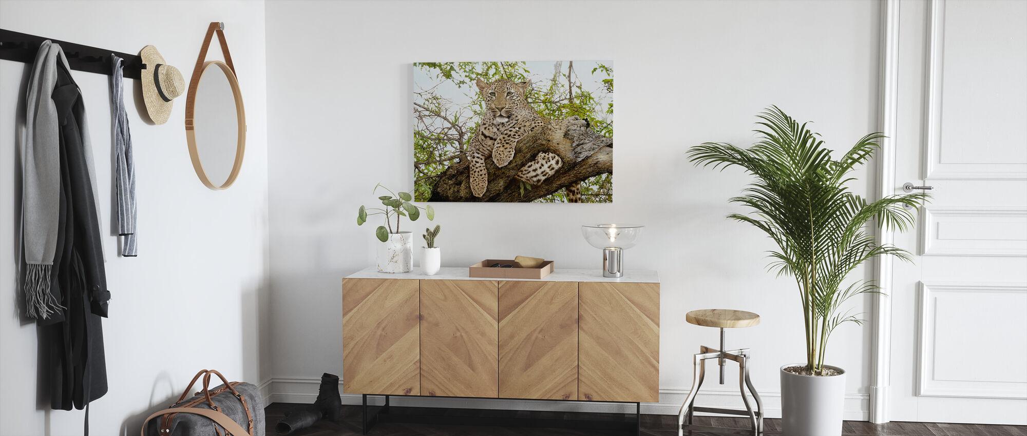 Anticipation Leopard - Canvas print - Hallway