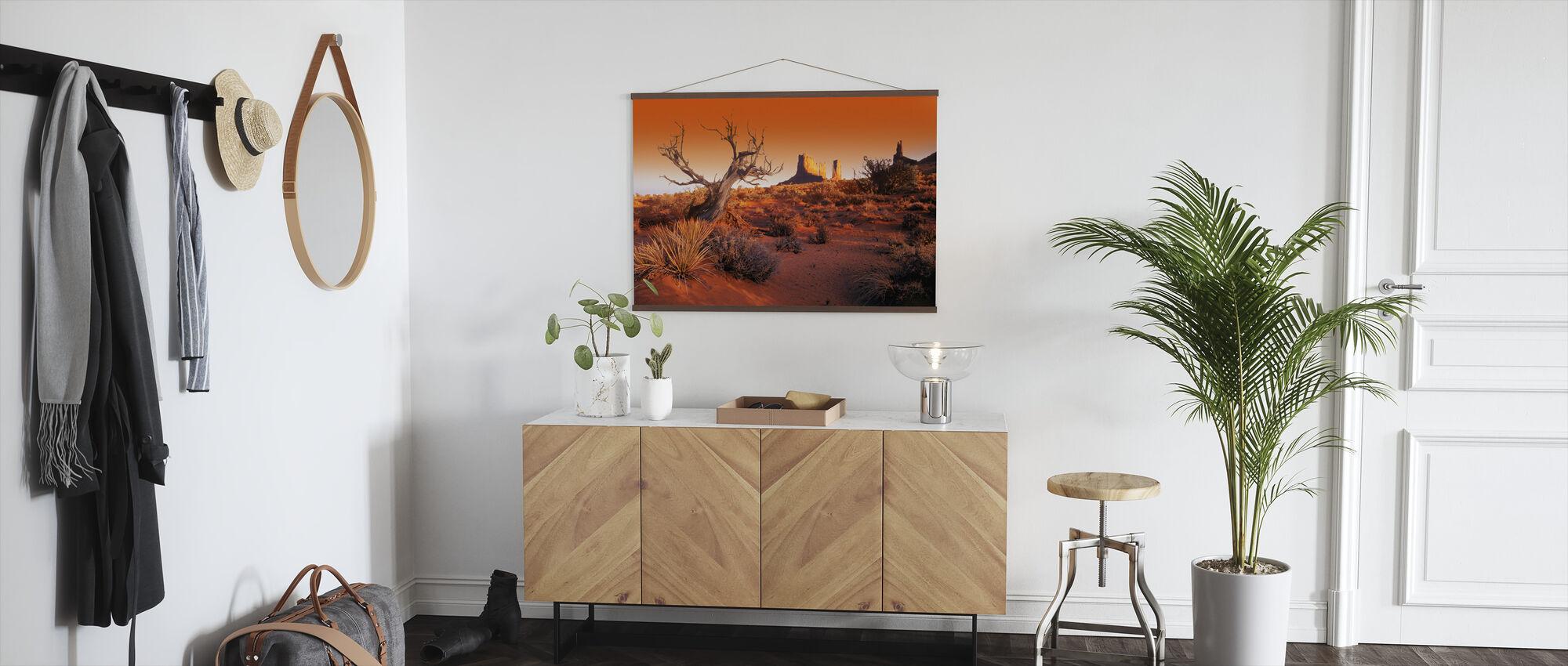 Rote Landschaft - Poster - Flur