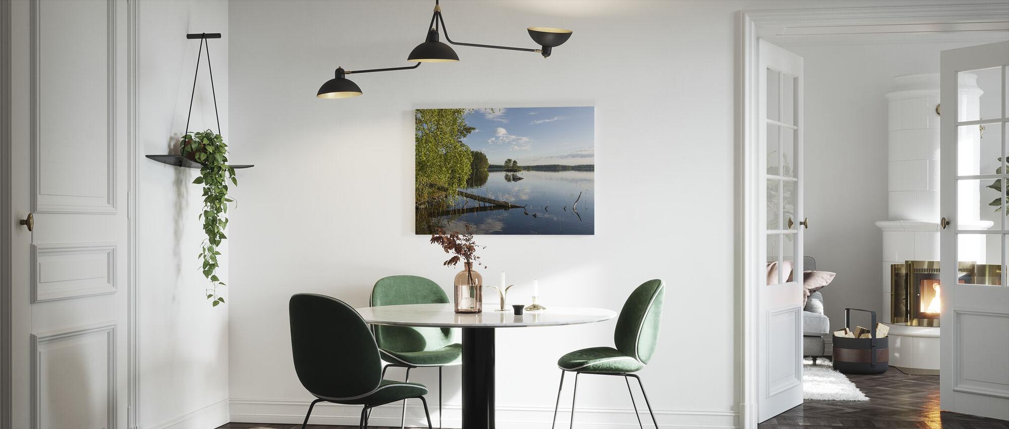 Ruotsin järven maisema - Canvastaulu - Keittiö