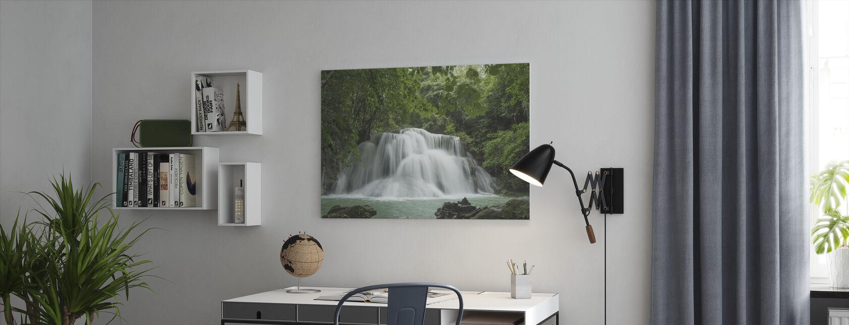 Mooie waterval in Thailand - Canvas print - Kantoor