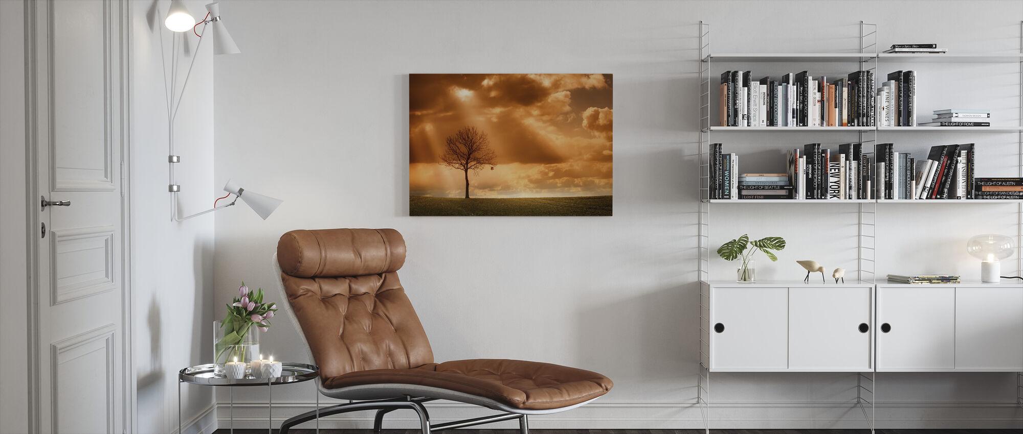 Oranssi Puu kentällä - Canvastaulu - Olohuone