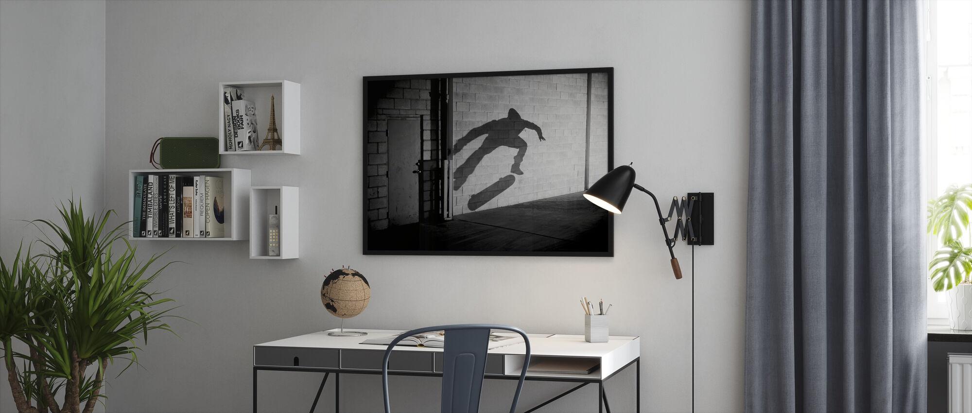 Skygge Skateboarder - Indrammet billede - Kontor