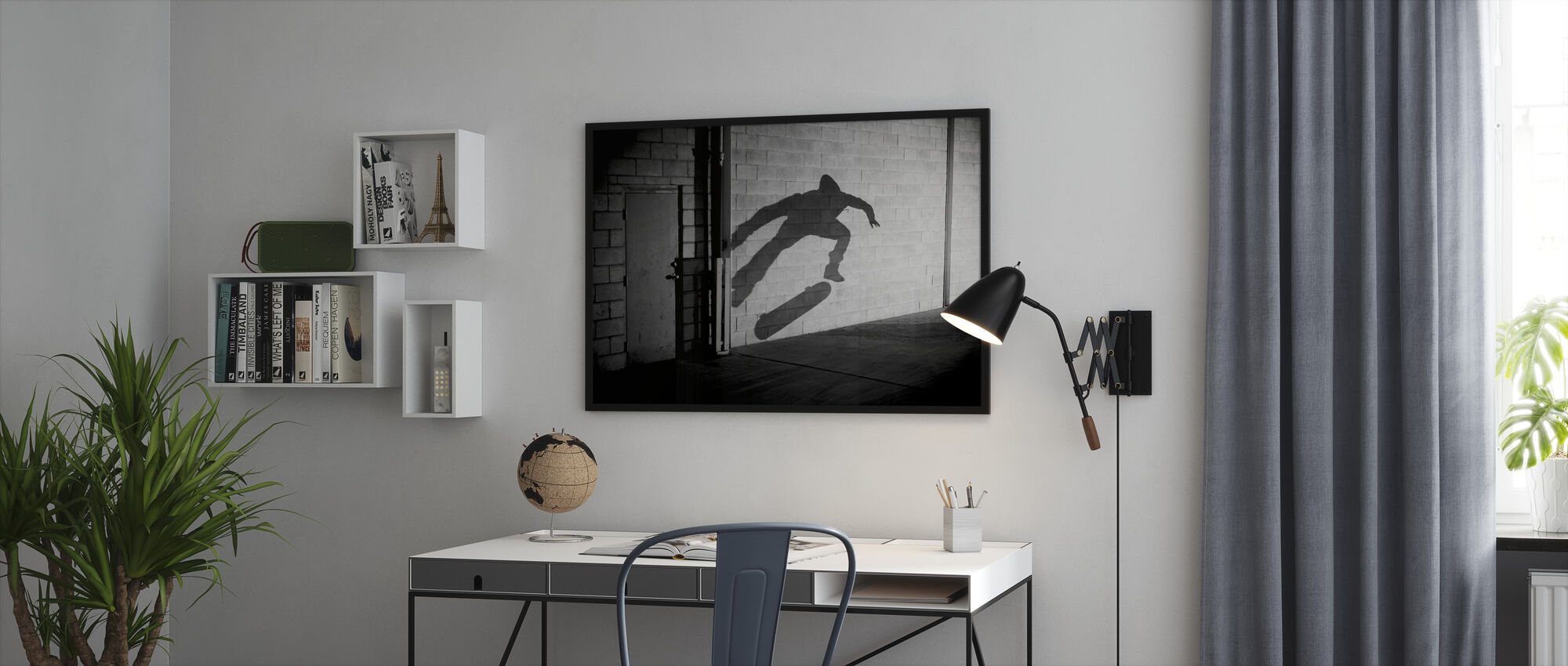 Shadow Skateboarder - Ingelijste print - Kantoor
