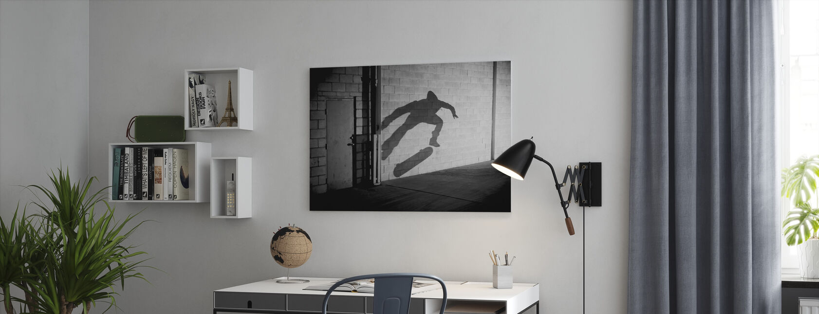 Shadow Skateboarder - Canvas print - Kantoor