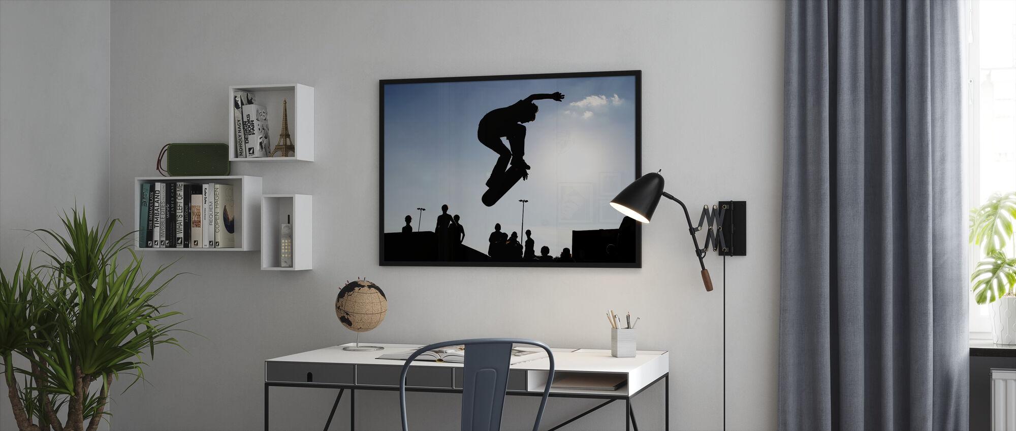 Rullalauta hypätä - Kehystetty kuva - Toimisto