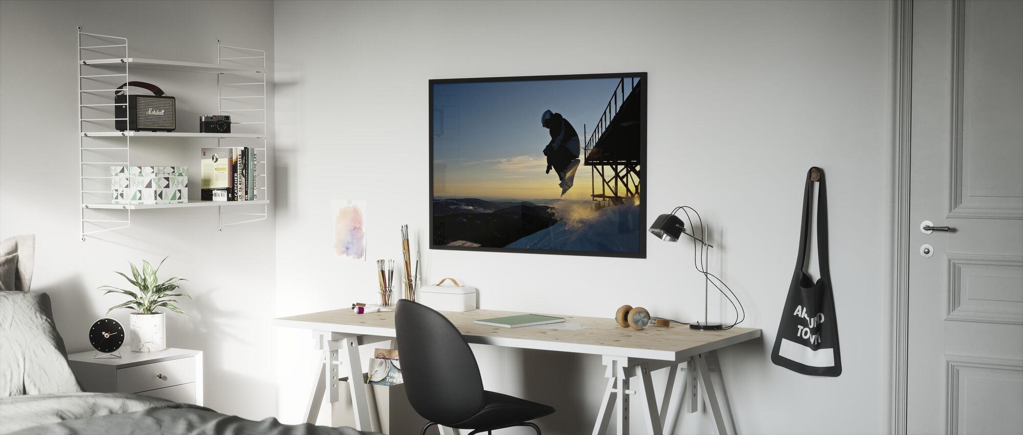 Lumilautailija Hyppää sillalta - Kehystetty kuva - Lastenhuone