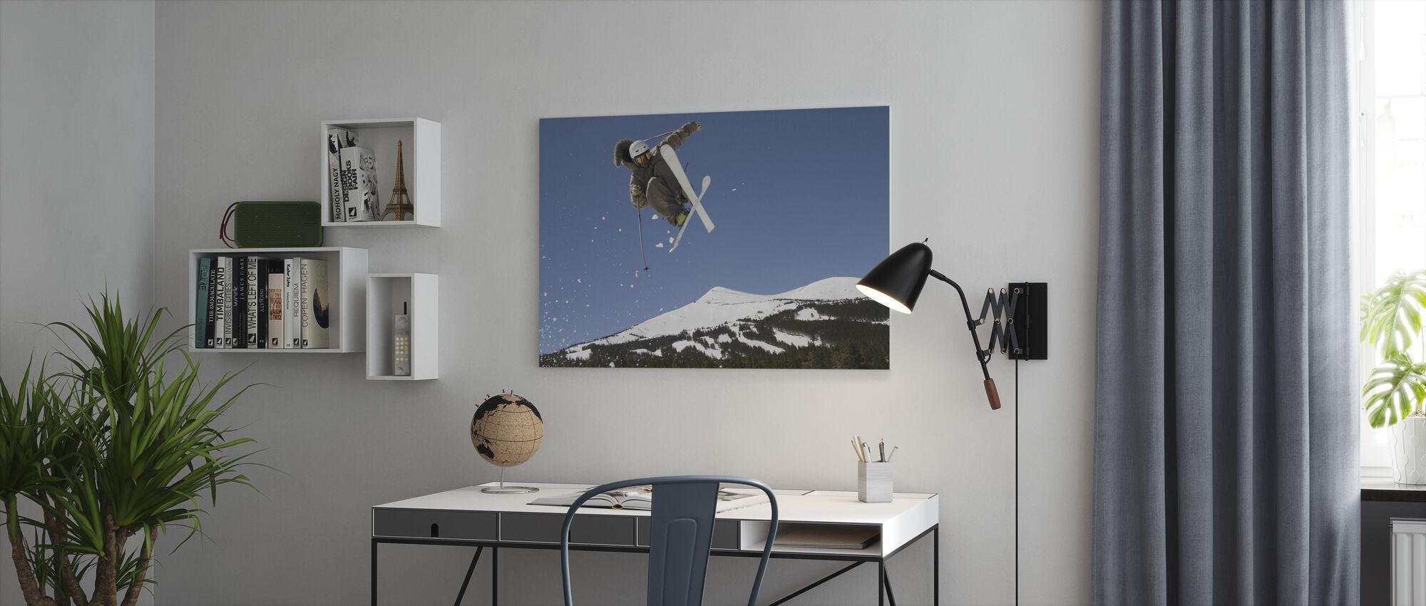 Superpipe Skier - Canvas print - Office