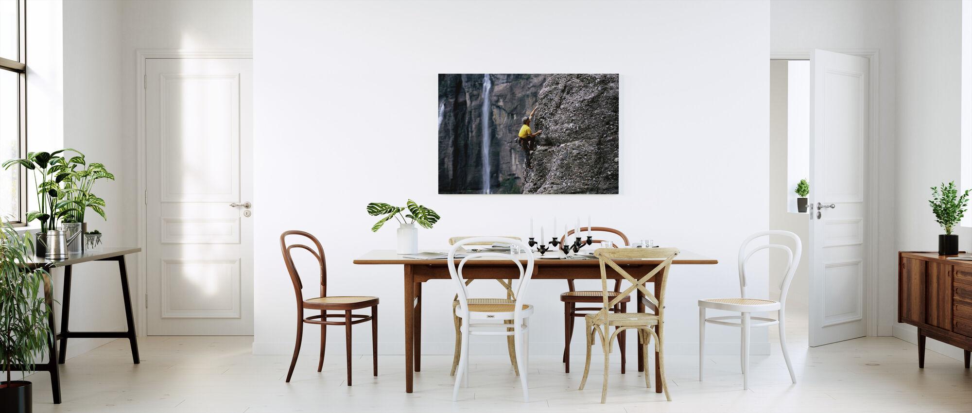 Kalliokiipeilyä morsiamen huntu Falls - Canvastaulu - Keittiö