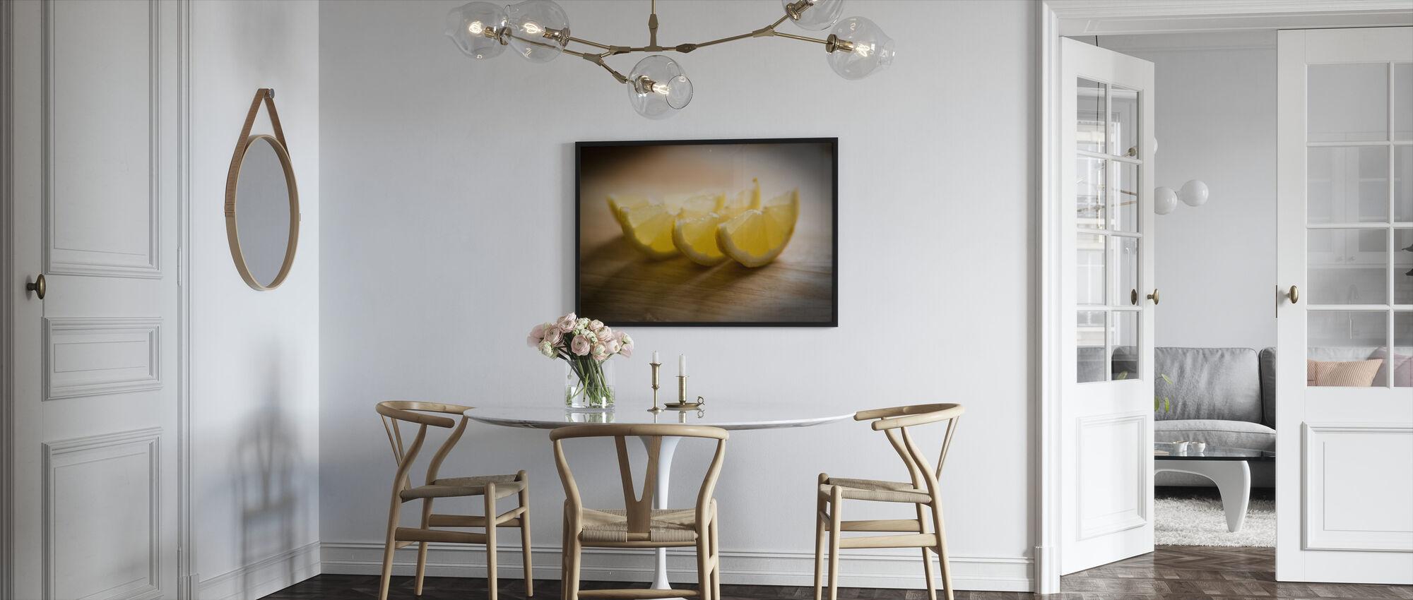 Tuoretta viipaloitu sitruuna - Jesús Sierra - Kehystetty kuva - Keittiö