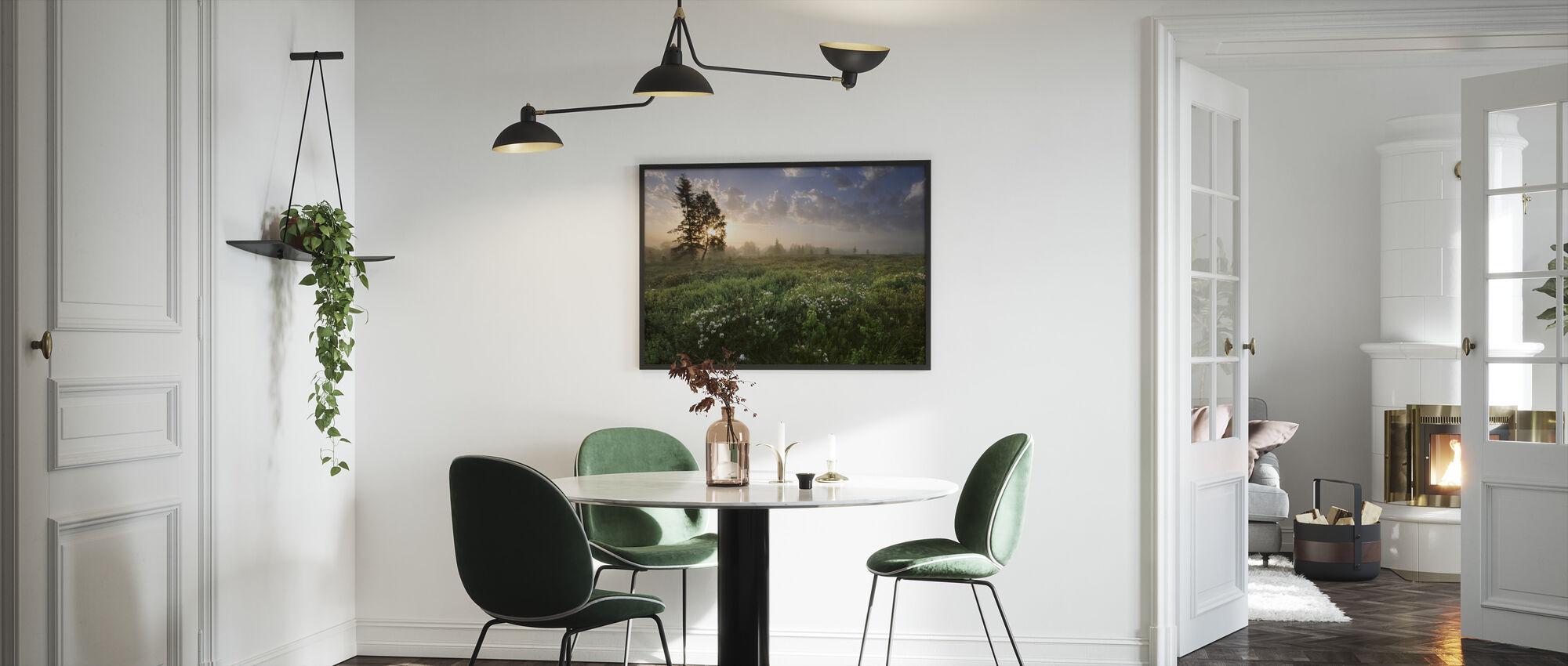 Dejlig eng ved Dawn - Indrammet billede - Køkken