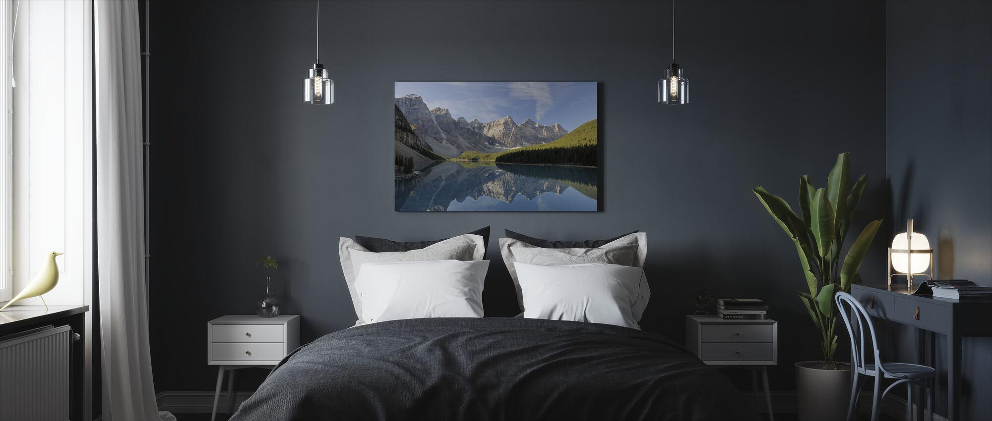 Moraine Lake - Canvas print - Bedroom