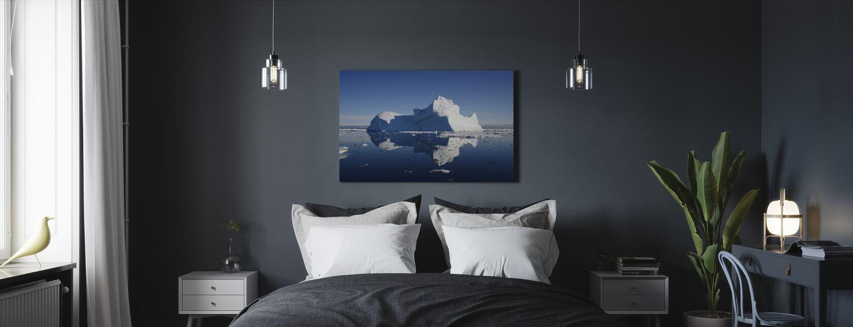 Jäävuori - Canvastaulu - Makuuhuone