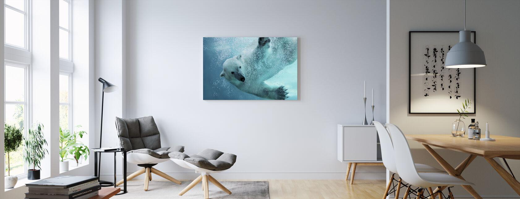 Vedenalainen jääkarhu - Canvastaulu - Olohuone