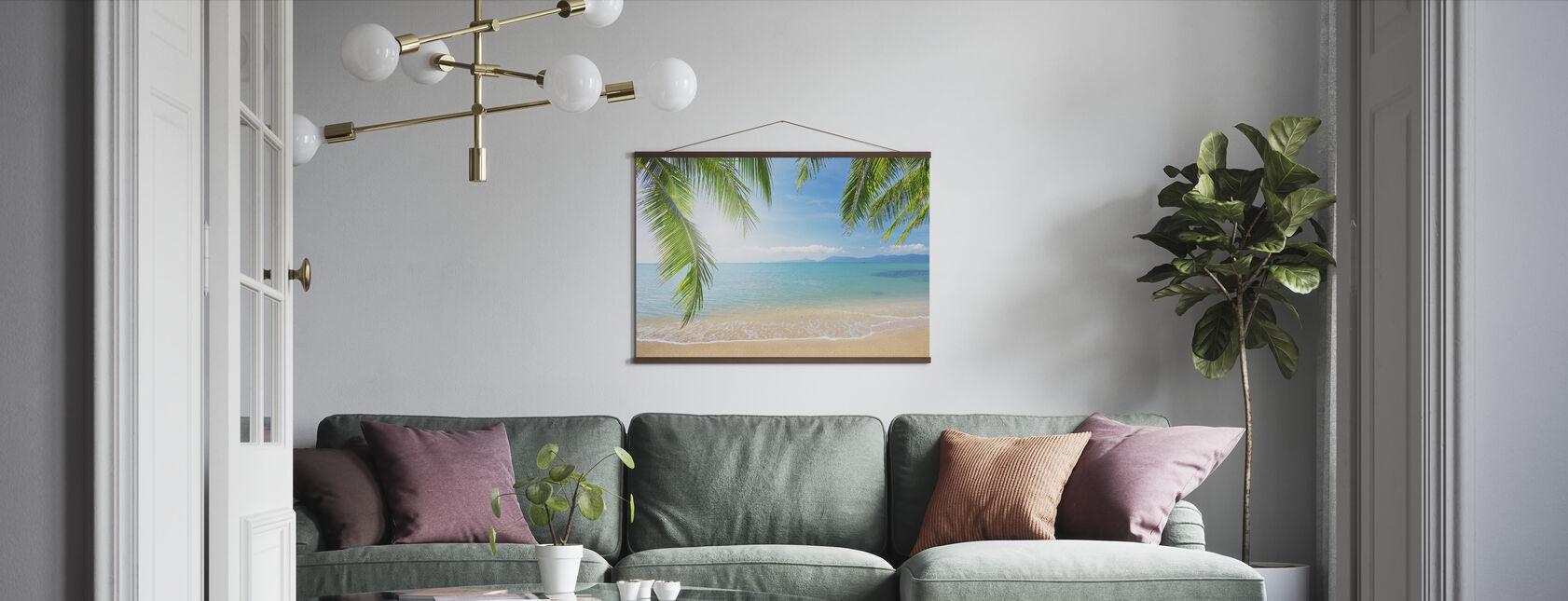 Tropisk utsikt fra under et palmetre - Plakat - Stue