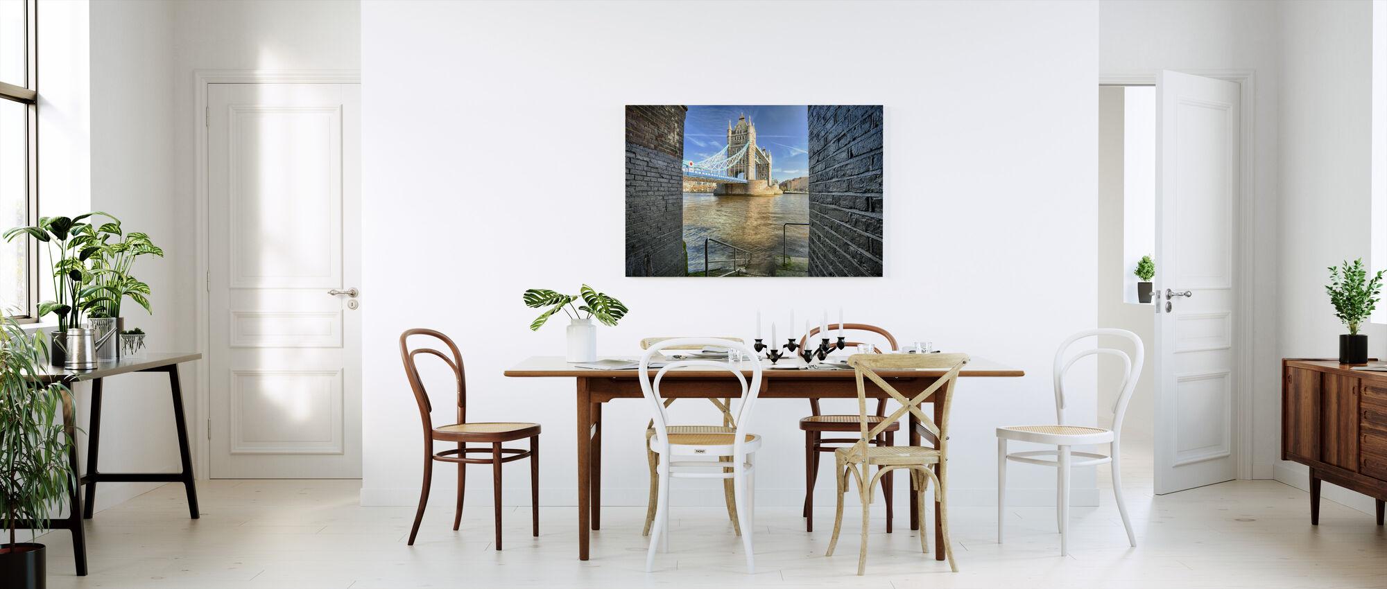 Alternativ visning på tårnbroen - Lerretsbilde - Kjøkken
