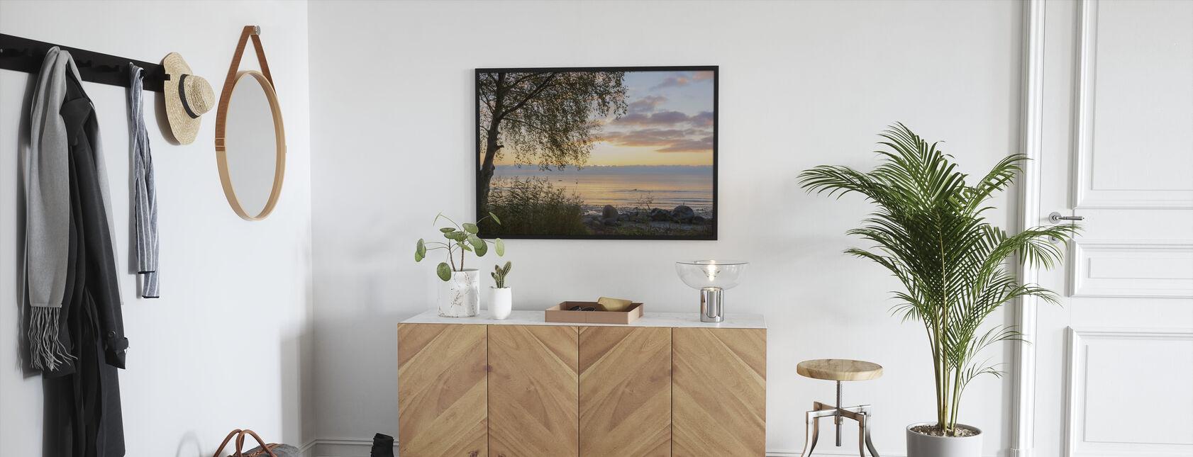 Puu auringonlaskun aikaan - Gotland - Kehystetty kuva - Aula