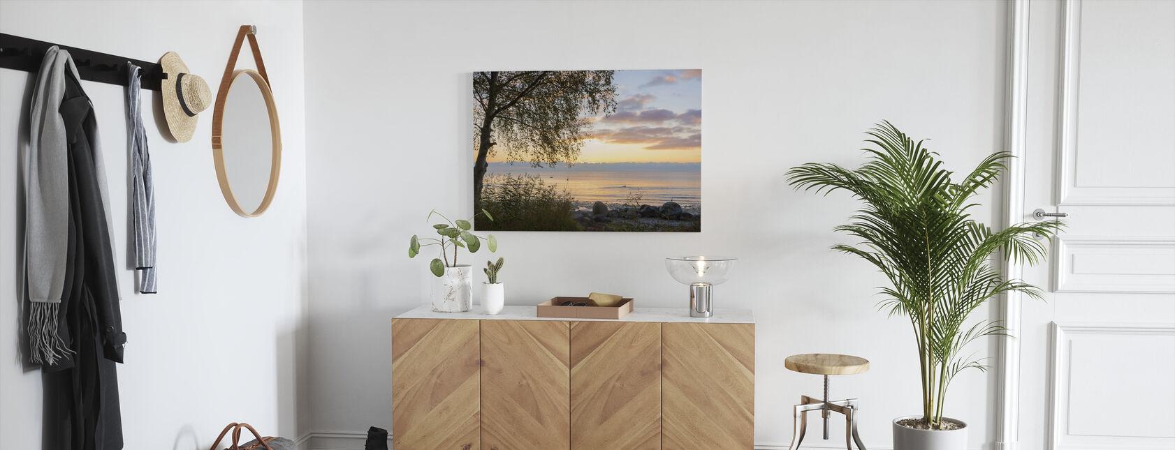 Boom bij zonsondergang - Gotland - Canvas print - Gang