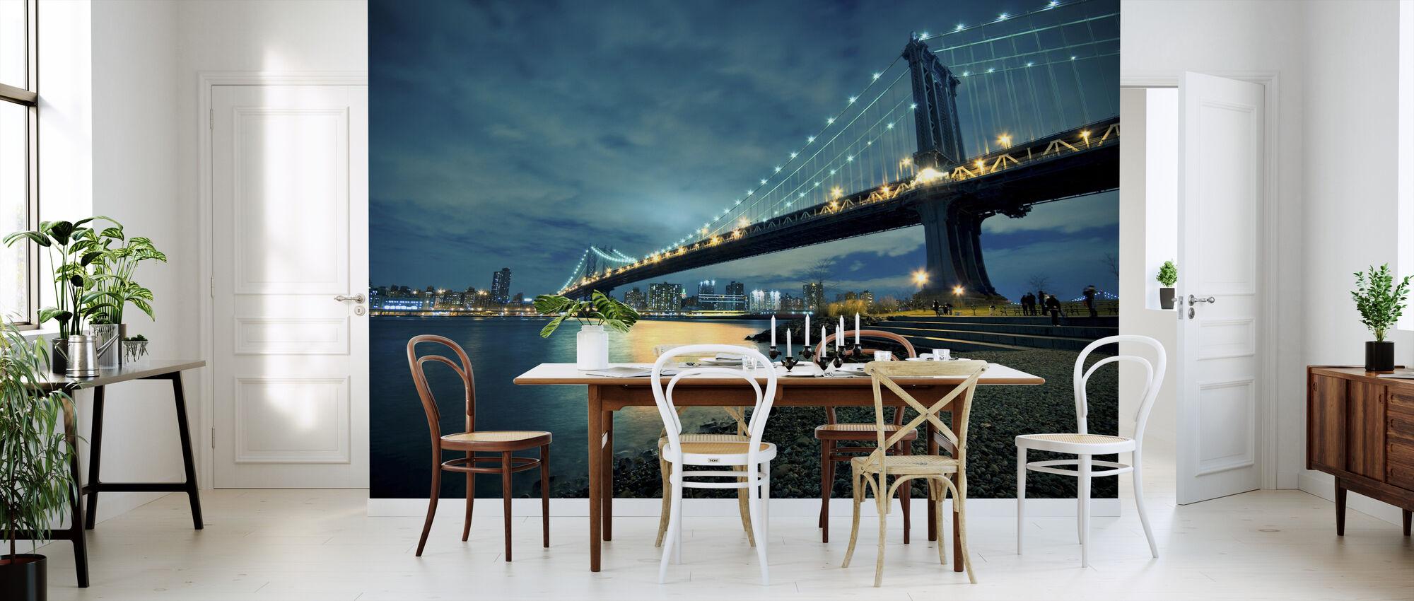 Manhattan Bridge Glowing at Night - Wallpaper - Kitchen