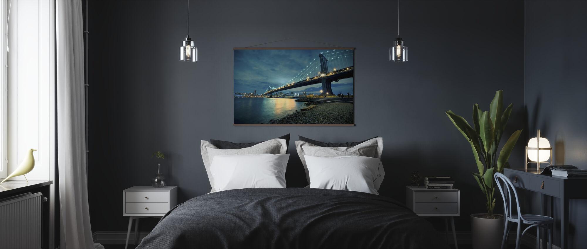 Manhattan Bridge Glowing at Night - Poster - Bedroom