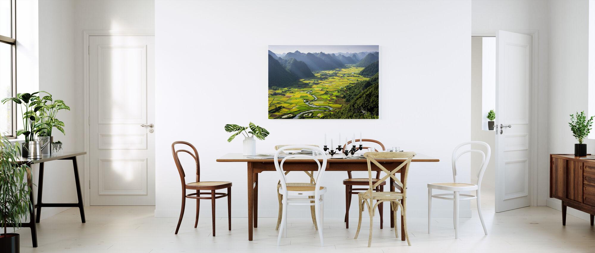 Bacha Valley - Canvas print - Kitchen