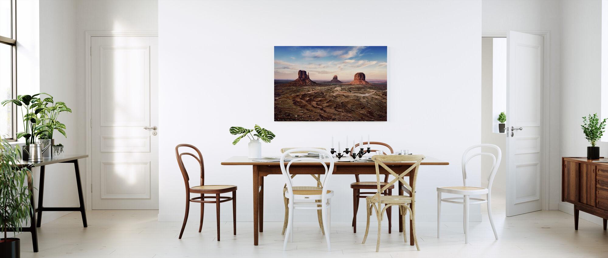 Auringonlasku yli Auburn Rocks - Canvastaulu - Keittiö