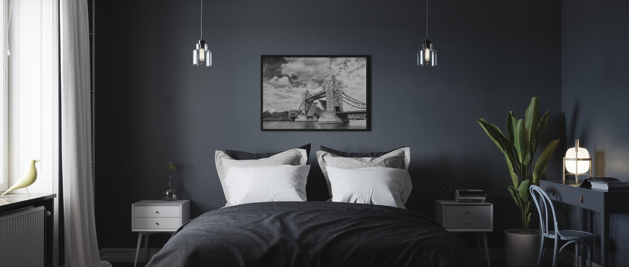 Tower Bridge Opening - Framed print - Bedroom