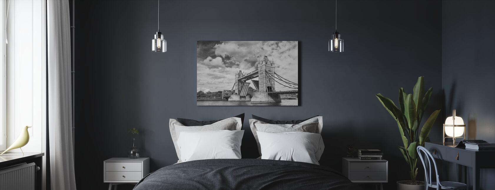 Tower Bridge avaaminen - Canvastaulu - Makuuhuone