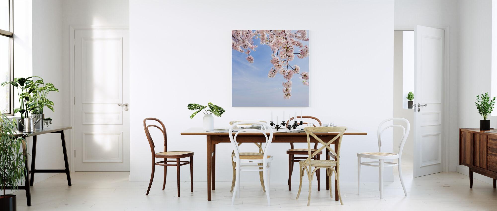 Kirsikkapuun alla - Canvastaulu - Keittiö