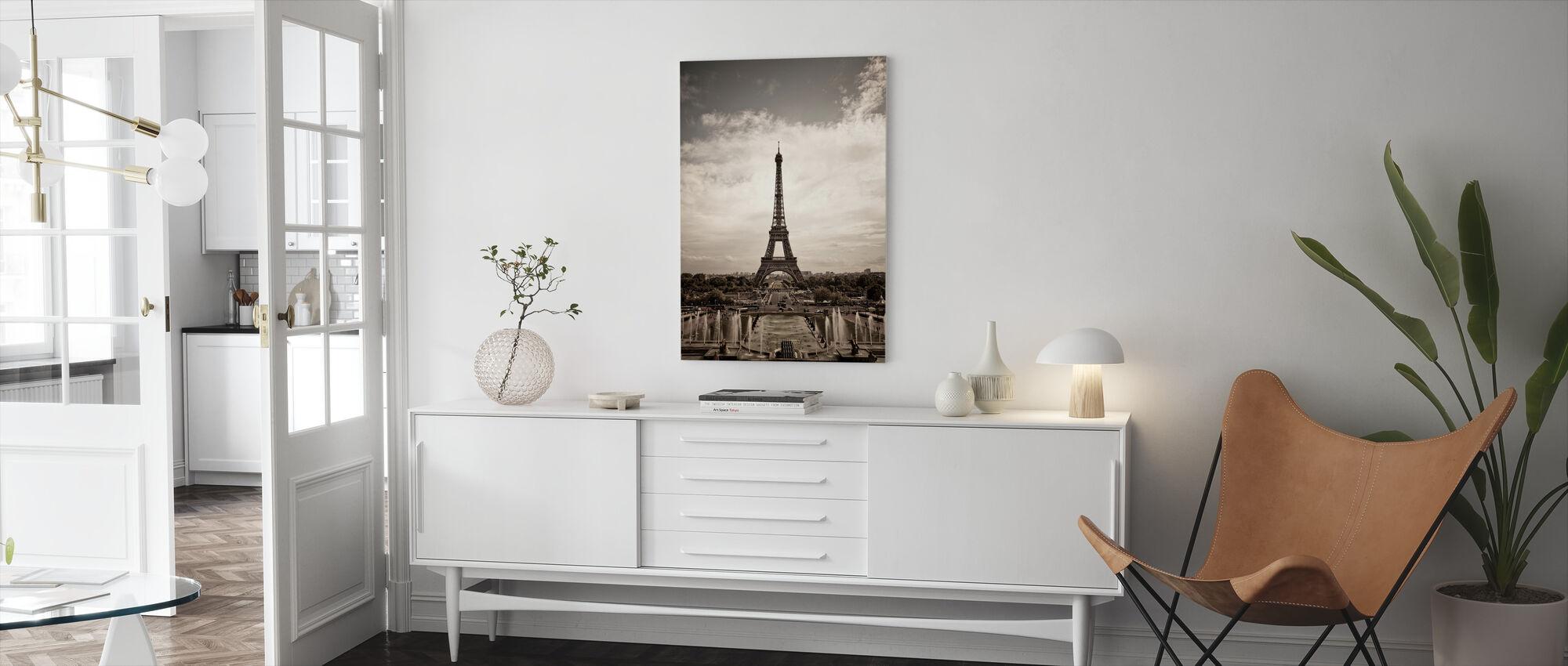 Eiffeltornet sett från Palais de Chaillot - Canvastavla - Vardagsrum