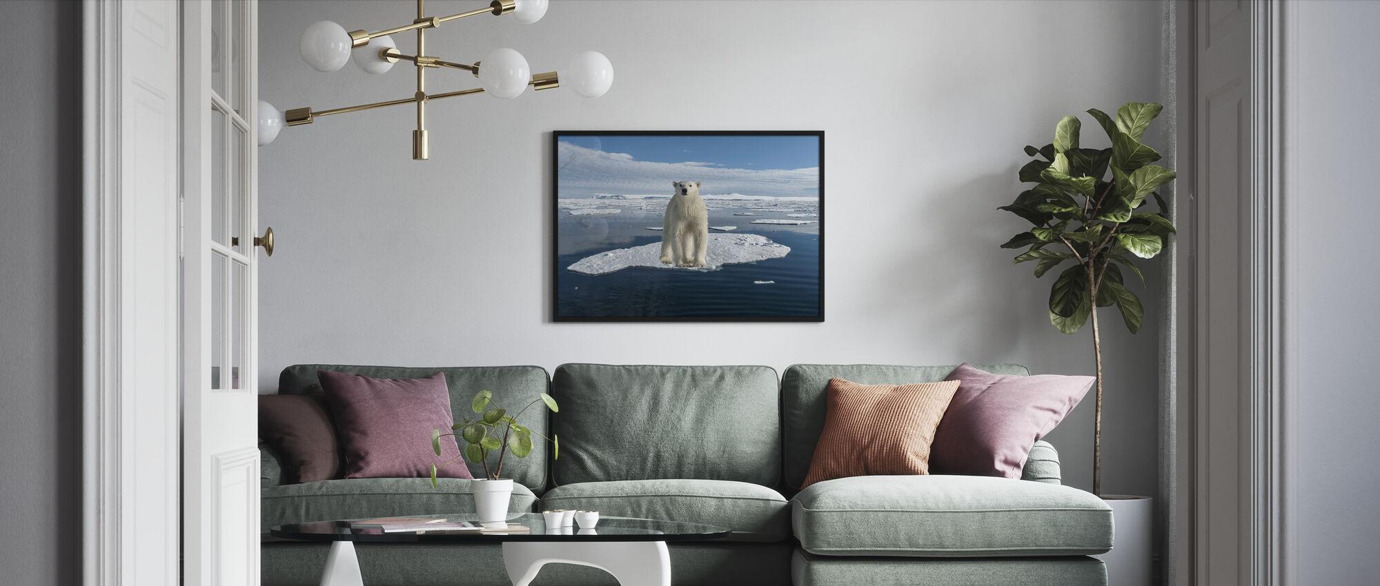 Ohuella jäällä - Kehystetty kuva - Olohuone