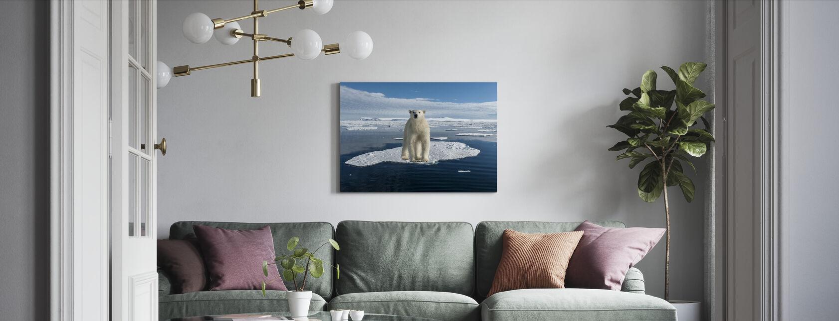 Ohuella jäällä - Canvastaulu - Olohuone